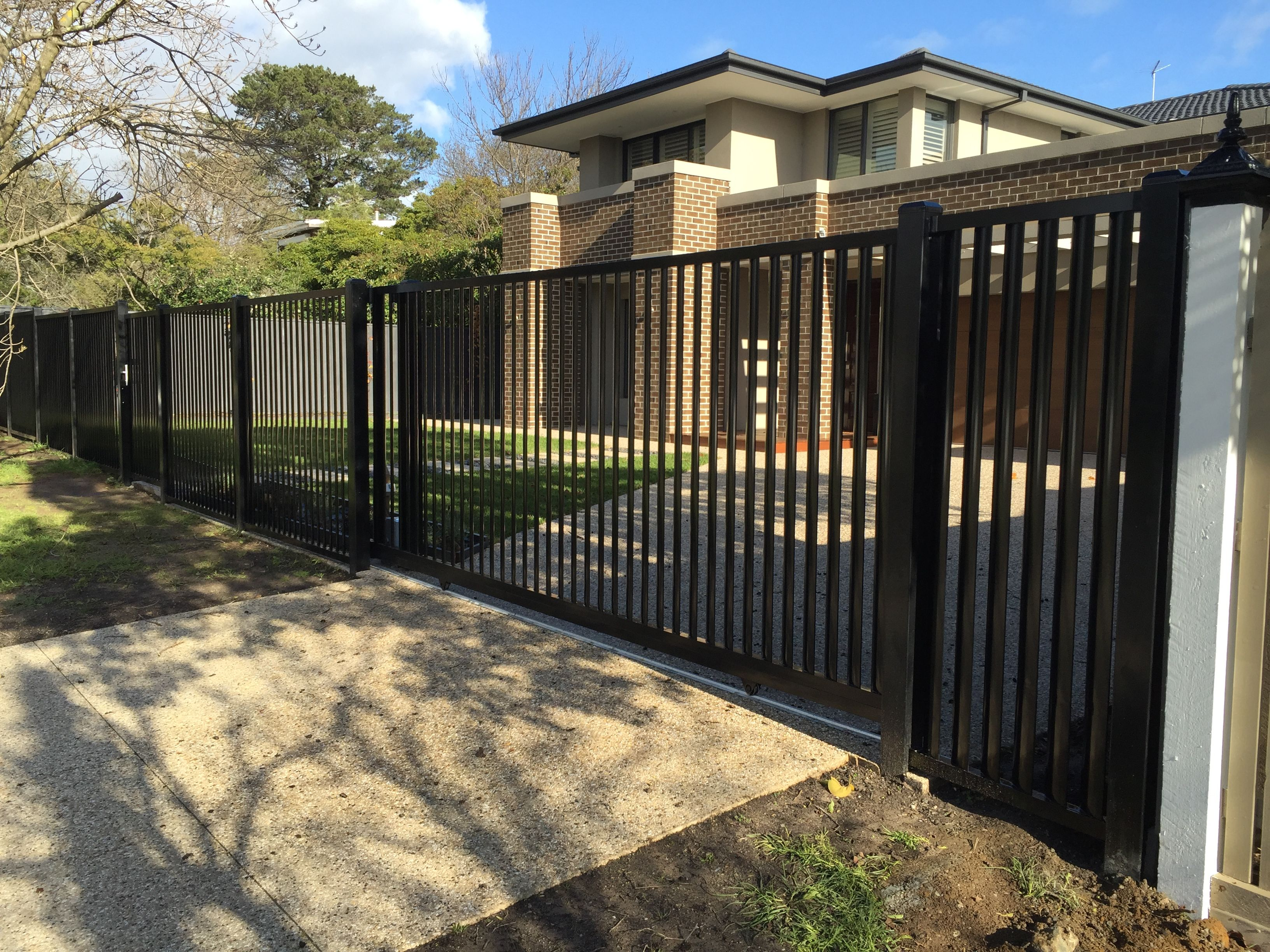 Louvre fencing in melbourne available in a wide range of tones this fencing option can blend in seamlessly with your propertys existing colour scheme alternatively baanklon Gallery