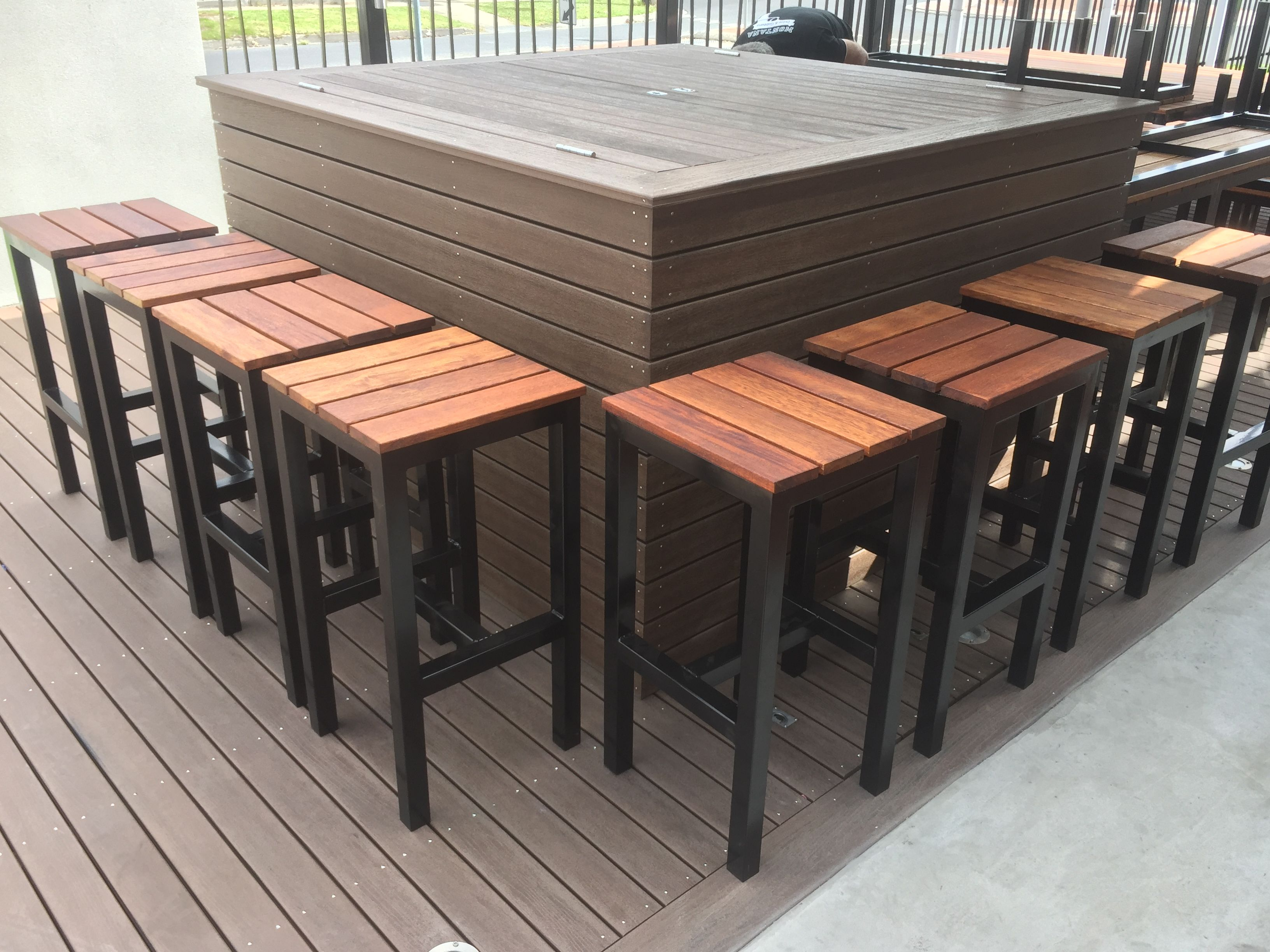 Custom Made Outdoor Tables Bar Stools & Chairs Melbourne