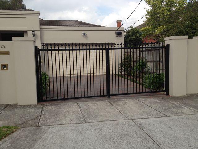 Double Swinging Driveway Gates
